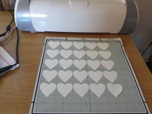Making hearts with my Cricut E2