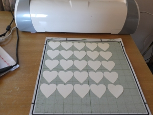 Making hearts with my Cricut E2