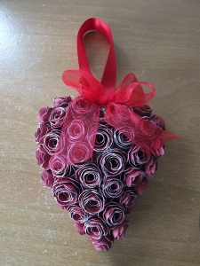 Some heart decorations using CTMH Artiste cartridge and Ruby and Candy Cotton ca_0004