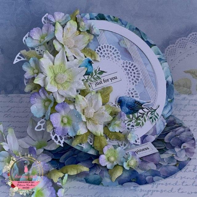 Hydrangea Lawns Easel Card - Patricia's Creative Corner